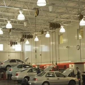 Automobilių salonai ir servisai
